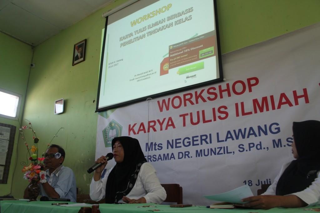 WORKSHOP KARYA TULIS ILMIAH BERSAMA DR. MUNZIL S.Pd, M.Si